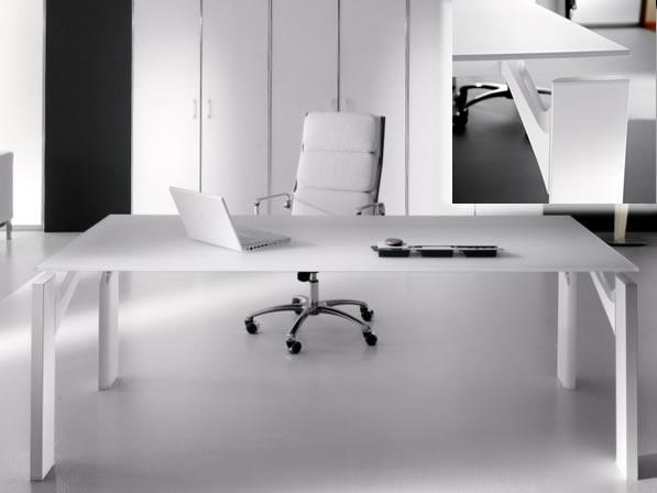 il mio nuovo tavolo quadrato per l 39 ufficio On tavolo ufficio quadrato